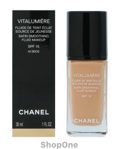 Vitalumiere Satin Smoothing Fluid SPF15 30 ml fra Chanel